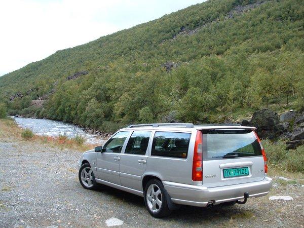 Volvo Adventures, Volvo V70 Van Specification